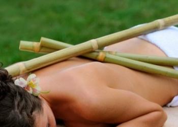 массаж бамбуком